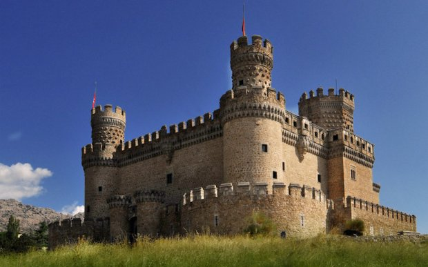 10 Most Beautiful Castles in Spain (with Photos & Map) - Touropia