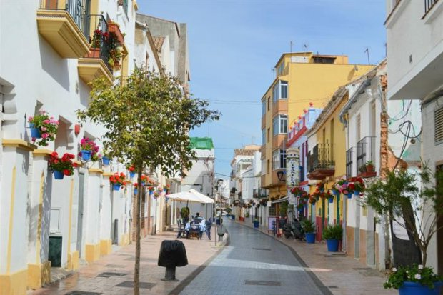 Estepona Travel information, reviews, facts and video