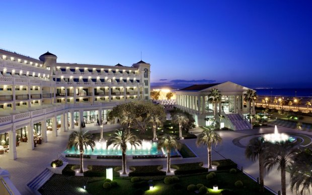 Hotel Las Arenas Balneario Resort : Valencia, Spain : The Leading
