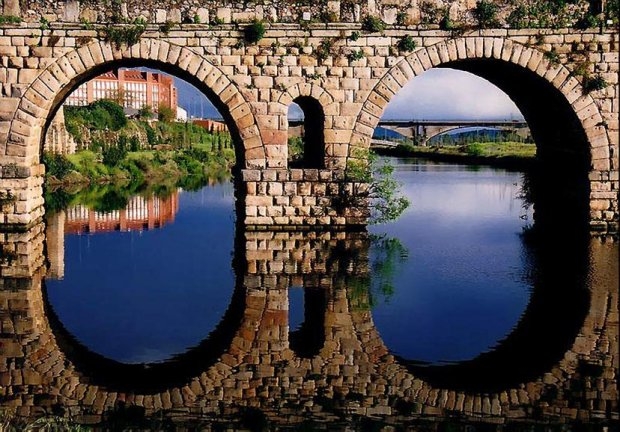 Reflections of Beautiful Bridge, Merida, Spain - Pixdaus | Bonito