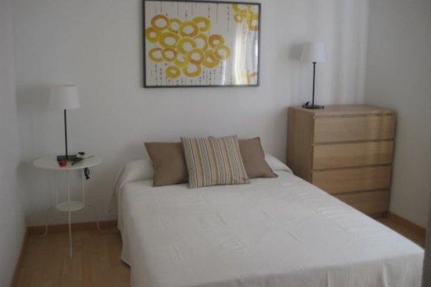 Rent a gay room or a gay bed and breakfast in Alicante, Spain